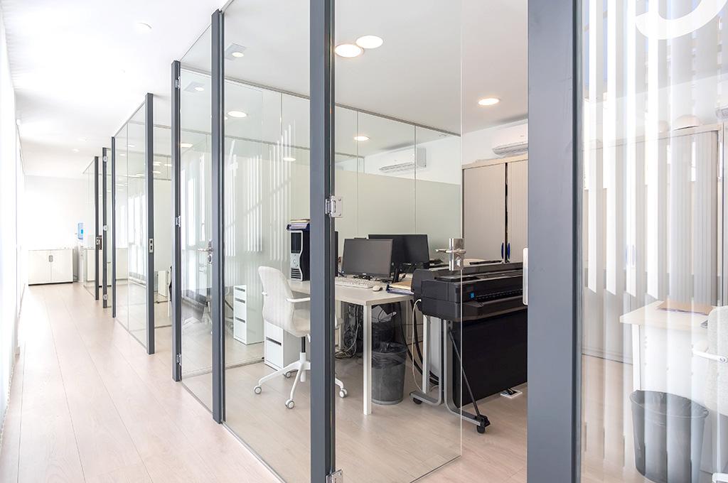 despatxos privats reunio escriptori Badalona Espai114 centre de negocis business center